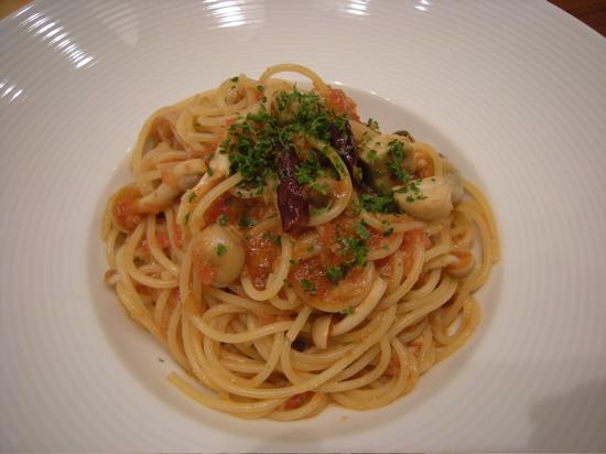 17.牡蠣とトマトの辛口パスタ.jpg