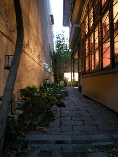 北浜alleyの庭.jpg